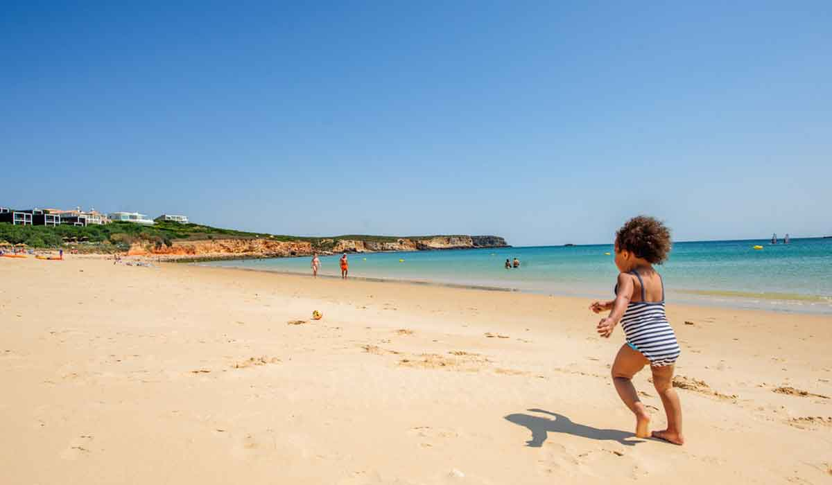 Praia do Martinhal - The best Blue Flag beach in Sagres